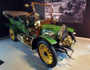 1905-spyker-77539_1280-2