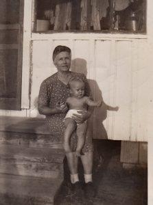 1947_OnaBrooks-and-Linda
