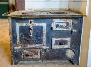 old-stove-1508551_1280